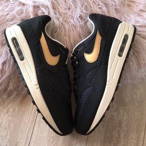 Poshmark Max Chaussures Noir Gold Nwt 1 Id Air Nike Premium POSBTfqw